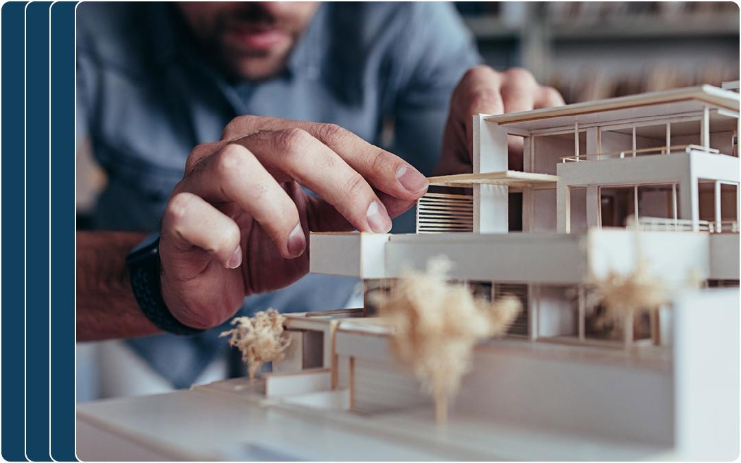 Architekt bei der Konstruktion einer Wohn-Projektes